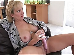 Mature british slut dildo masturbation