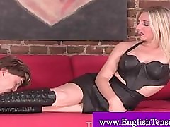 Footworshipping of a kinky dominatrix by a committed subject