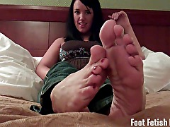 Jerk your dick to Mandy Taylors perfect feet